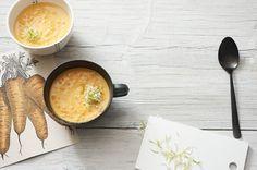 Linsen-Möhrensuppe mit Kokosmilch | http://eatsmarter.de/rezepte/linsen-mohrensuppe