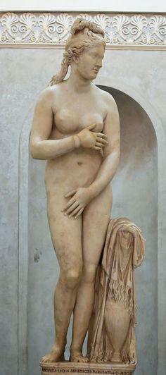 """""""La Vénus du Capitole"""" - L'une des meilleures copies du type de l'Aphrodite de Cnide - Musées du Capitole, Rome."""