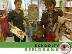 In de kinderboekenwinkel - Beeldbank / Netwijs.nl - Maakt je wereldwijs