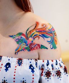 71 Most Beautiful Shoulder Tattoos for Women For Your Next Design Pretty Tattoos, Love Tattoos, Unique Tattoos, Beautiful Tattoos, Body Art Tattoos, Crow Tattoos, Ear Tattoos, Tattos, Tattoo On
