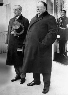 Woodrow Wilson (L) and President William Howard Taft (R) at Wilson's first inauguration in 1913.