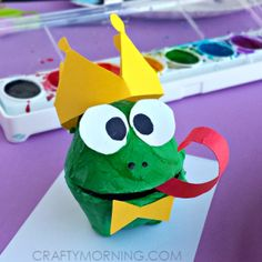 Frog crafts and/or turtle crafts for toddlers, preschool and kindergarten kids. Easy turtle craft id Frog Crafts, Bunny Crafts, Fun Crafts For Kids, Arts And Crafts Projects, Toddler Crafts, Easter Crafts, Projects For Kids, Art For Kids, Fairy Tale Crafts