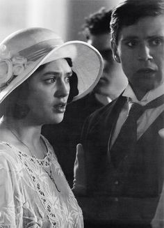 sybil and branson why are they looking so sad? Jessica Brown Findlay, Branson Downton Abbey, Sybil Downton, Lady Sybil, Dowager Countess, A Writer's Life, Anne Of Green Gables, Period Dramas, Series Movies