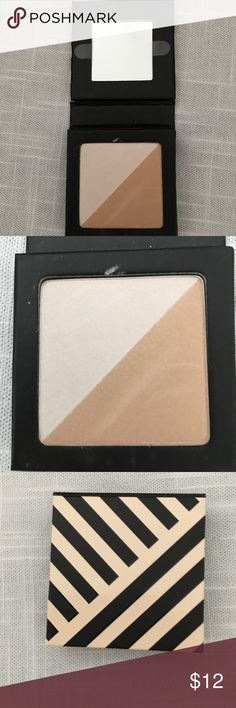 Beautycounter Eye Duo in Pearl/Champagne Used Beautycounter Eye Duo in Pearl/Champagne -slightly used for demo purposes. I tried to show in 2nd picture. Beautycounter Makeup Eyeshadow