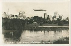 Vista do Parque Dom Pedro às margens do Tamanduateí em 1933. O postal registra também a passagem do famoso Graff Zepellin na capital Paulista (clique na imagem para ampliar)