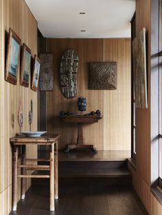 The incredible Byron Bay home of jewellery designer Lisa Black and family.  Photo – Eve Wilson, production – Lucy Feagins / The Design Files.