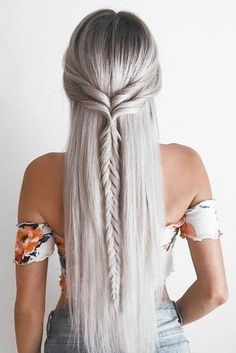 boho wedding hairstyles bohemian half up half down with single braid emilyrose Boho Hochzeitsfrisuren Bohemian halb hoch halb runter mit Single Braid Emilyrose # … – lange lockige Frisuren – Box Braids Hairstyles, Long Face Hairstyles, Back To School Hairstyles, Haircuts For Long Hair, Trending Hairstyles, Braids For Long Hair, Long Hair Cuts, Boho Hairstyles, Straight Hairstyles