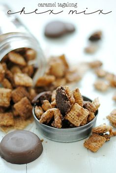 Caramel Tagalong Chex Mix 23 Delicious Ways To Eat Girl Scout Cookies Chex Mix Recipes, Snack Recipes, Dessert Recipes, Sweet Recipes, Nut Recipes, Caramel Recipes, Dessert Bars, Girl Scout Cookies Recipes, Sweets