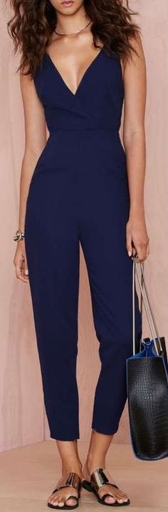 50 Sleek and Sexy Examples Of JumpSuits and BodysuitsTrend Successfully Worn Overall 2 Cool Outfits, Casual Outfits, Fashion Outfits, Jumpsuit Elegante, Elegant Jumpsuit, Navy Jumpsuit, Jumpsuit Outfit, Blue Jumpsuits, Jumpsuits For Women Formal