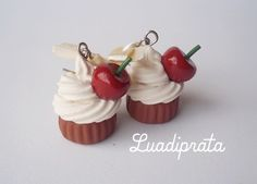 brinco cupcake cereja creme suspiro