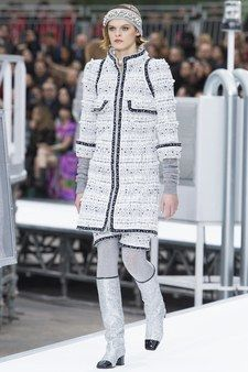 Chanel Fall 2015 Couture Collection - Vogue
