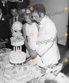 Now this here is a Nikki.   James Caan and Sheila Ryan: January 12, 1976 (divorced in 1977). Children: 1
