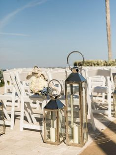 Bubbly Modern Romance at The Ocean Reef Club on Borrowed & Blue.  Photo Credit: Care Studios