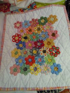 hexies, grouped together in the middle with white border