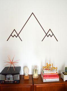 love this DIY Washi Tape Mountain Wall Art Tape Wall Art, Tape Art, Diy Wall Art, Diy Wall Decor, Diy Home Decor, Masking Tape Wall, Paper Tape, Baby Decor, Diy Wanddekorationen