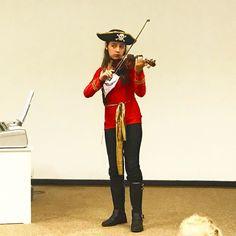 Teve Pirata tocando violino também no nosso recital. #aprendendoesedivertindo #métodosuzuki #violino
