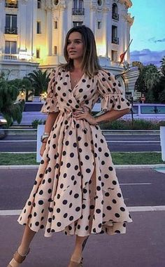 2020 Women Fashion pink floral midi dress blue and white floral maxi dress - Vintage Style Dresses, Casual Dresses, Summer Dresses, Summer Outfits, Blue Midi Dress, Floral Midi Dress, Fancy Dress, Mode Outfits, Fashion Outfits
