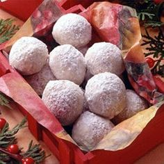 Cookies Snowball Cookies - a favorite Christmas cookie recipe, but scrumptious all year 'round.Snowball Cookies - a favorite Christmas cookie recipe, but scrumptious all year 'round. Cookie Desserts, Just Desserts, Cookie Recipes, Dessert Recipes, Baking Desserts, Cookie Ideas, Dessert Ideas, Baking Recipes, Holiday Cookies