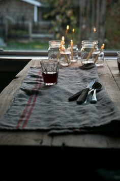 Relaxed candlelit meals.
