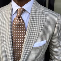 Earth tones can get so neutral and boring, a coat that can work with many slacks and a nice, rich tie is an absolute win.