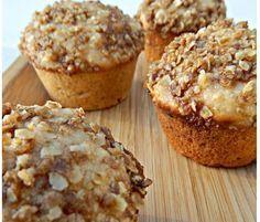 Muffins light de avena y naranja con menos de 200 calorías, perfectos si buscas disfrutar de esponjosos muffins fáciles de hacer y ligeros. Diabetic Recipes, Vegan Recipes, Cocina Natural, Sin Gluten, Cupcake Cookies, Healthy Desserts, Quick Meals, Sweet Tooth, Bakery