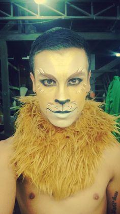 Bildergebnis für wizard of oz inspired makeup Lion Makeup, Animal Makeup, Male Makeup, Makeup Art, Lion Halloween, Family Halloween Costumes, Halloween Makeup, Witch Costumes, Fairy Costumes