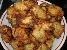 Αφράτοι Λουκουμάδες κολοκυθιού !!!! Spanakopita, Greek Recipes, Chicken Wings, Food Inspiration, Cauliflower, Healthy Snacks, Recipies, Food And Drink, Easy Meals