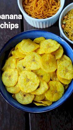 banana chips recipe, homemade dried banana wafers, kele ke chips with step by step photo/video. deep fried snack with green raw banana or kachha khela. Pakora Recipes, Chaat Recipe, Samosa Recipe, Vegetarian Snacks, Savory Snacks, Dry Snacks, Banana Oil, Raw Banana, Banana Bread