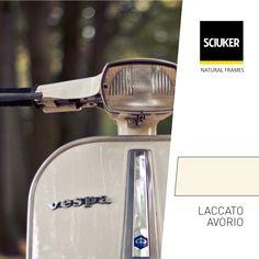 Alla scoperta della finitura #LaccatoAvorio delle finestre #Sciuker con un'icona di #design: la #Vespa. Vespa, Golf Clubs, Frame, Nature, Design, Wasp, Picture Frame, Hornet, Naturaleza