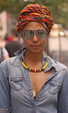 I wear head wraps as much as I can and this is my favorite style! I love the print on this headwrap/turban African Women, African Fashion, Turban Mode, Wrap Style, My Style, Girl Style, African Head Wraps, Head Wrap Scarf, Turban Style