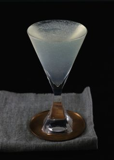 Airmail  | Tuxedo No.2 | rum, champagne, lime juice, simple syrup