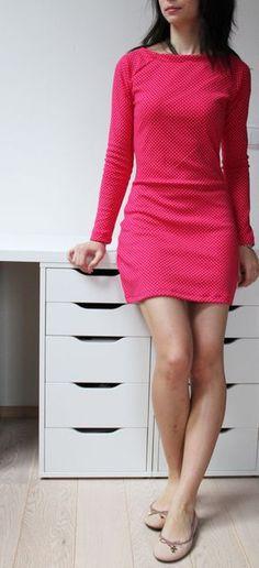 Dámské úpletové šaty s dlouhým rukávem
