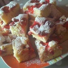 Egy finom Epres kevert sütemény ebédre vagy vacsorára? Epres kevert sütemény Receptek a Mindmegette.hu Recept gyűjteményében! French Toast, Breakfast, Cake, Food, Breakfast Cafe, Pie Cake, Pie, Cakes, Essen
