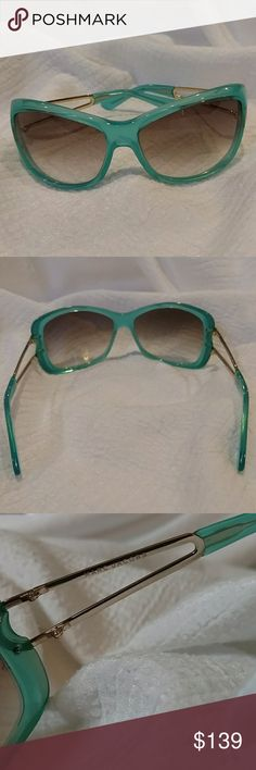 MARC JACOBS TURQUOISE SUNNIES 🌟 RARE FIND! 🌟 Beautiful authentic rare pair of Marc Jacobs turquoise and gold sunglasses made in Italy, model number MJ023/S G3N 58[]15 115 Lens: 58 mm bridge 15 mm temple ( arm length) 115mm lens Plastic acetate front and metal/plastic combo arms and temple with Marc Jacobs logo embossed on the arms The lenses are Gradient, 100% UV protection. Beautiful condition, no scratches. No Marc Jacobs case  but will be shipped in a hard case. Marc Jacobs Accessories…