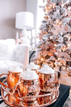 Christmas Decor | Blondie in the City | Pink & Rose Gold Christmas Decor | Hot Chocolate in Moscow Mules