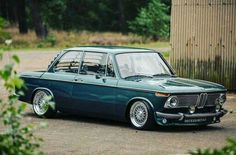 Bmw 2002 stance for days Bmw Electric Car, Bmw 02, Fox Body Mustang, 135i, Good Looking Cars, Classic Race Cars, Cute Cars, Bmw Cars, Retro Cars