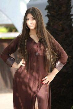 Une excellente collection de djellaba marocaine 2016 disponible sur ce site officiel qui suggère habituellement des meilleurs styles de look vestimentaire traditionnel à savoir la takchita marocaine traditionnelle, le caftan traditionnel, le jabadour traditionnel, la gandoura traditionnelle style femme, homme... (SAVOIR PLUS)