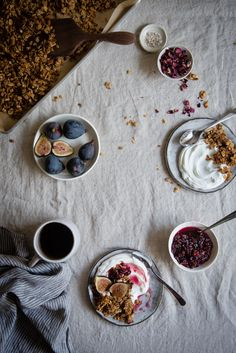 fig, rose, & almond granola parfaits - Two Red Bowls Parfait, Red Bowl, Good Food, Yummy Food, Smoothie, Granola, Muesli, Recipe Of The Day, Food Inspiration