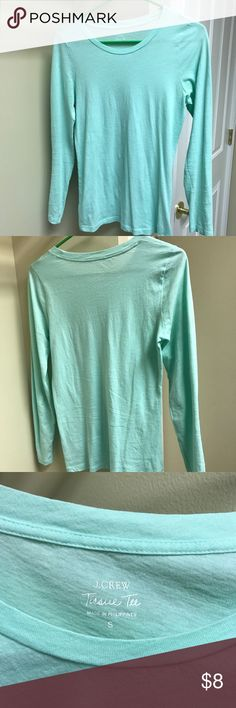 J.Crew-Like new-Mint long sleeve tee Mint colored long sleeve tissue tee. Excellent used condition. Love this color but it didn't work for me, so pretty paired with black or dark wash jeans and a leather jacket or blazer. Easily dressed up or down! J. Crew Tops Tees - Long Sleeve