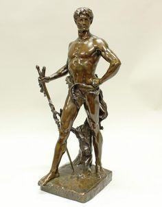 """Bronze, grün-braun patiniert, vorderseitig bezeichnet """"La Force protegeant le droit (Die Stärke verteidigt das Recht)"""", seitlich bezeichnet Eug. Marioton, darüber kleiner Stempel E. Colin & Ce Paris, 63 cm. Eugène Marioton, 1854 Paris - 1925, in Paris tätiger Bildhauer und Medailleur"""