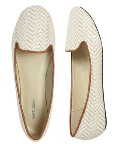 love these casual flats