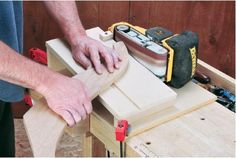 How to Build a Sanding Jig to Make Your Belt Sander a Benchtop Tool / Rockler How-to