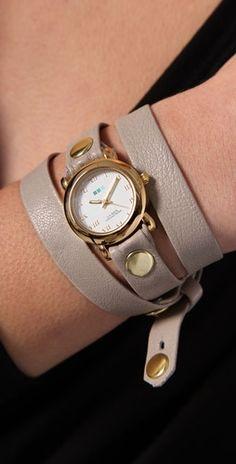 I want a wrap watch!