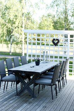 Build your own table for the garden or patio Outdoor Furniture Sets, Outdoor Decor, Build Your Own, Terrace, Patio, Dreams, Building, Garden, Table