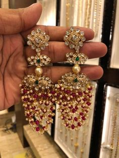 Mozonite hangings!!!net:31gm . 05 September 2019 Gold Jhumka Earrings, Indian Jewelry Earrings, Gold Earrings Designs, Jewelery, Diamond Earrings, Rajputi Jewellery, Heavy Earrings, Traditional Earrings, Ear Rings