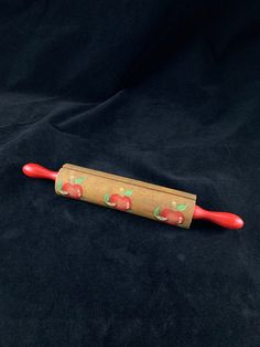 """Genuine Le Creuset 8/"""" Recipe Holder Flat Bottom Wooden Rolling Pin With Logo"""