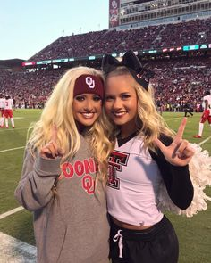 Jamie Andries: it's always good to see this one (& beat tech) ❤️☝ Carly Manning, Oklahoma Memorial, Bombshell Beauty, Friend Pictures, Friend Pics, Blonde Beauty, Cheerleading, Athlete, Beautiful Women