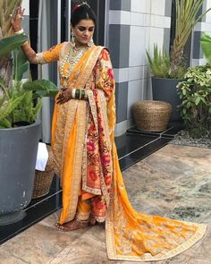 Love this custom made yellow red traditional maharashtrian Neeta Lulla Paithani wedding saree. wedding outfits These Gorgeous Brides In Sarees Is The Best Thing You'll See Today Indian Bridal Outfits, Indian Bridal Fashion, Bridal Lehenga, Saree Wedding, Maharashtrian Saree, Marathi Saree, Bollywood Saree, Marathi Bride, Marathi Wedding