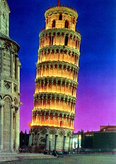 Night at the Leaning Tower of Pisa by Striderv, via Flickr