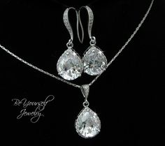 White Crystal Bridal Earrings Teardrop Bride Necklace Cubic Zirconia Wedding Jewelry CZ Bridesmaid Gift Wedding Earrings Bridal Accessories